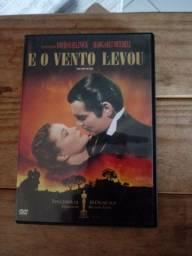 """DVD original do clássico """"E o vento levou"""" ."""