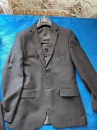 Título do anúncio: Vendo terno masculino preto semi novo