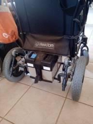 Título do anúncio: Cadeiras de rodas eletrônica