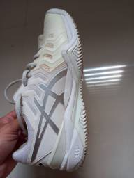 Tenis branco e prata