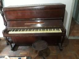 Piano antigo. MS. Goldmann
