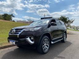 Título do anúncio: Toyota Hilux SW4 SRX 2017 - Impecável, Top de linha - Aceito trocas e financio