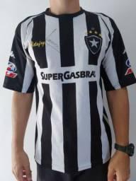 Camisa do Botafogo autografada