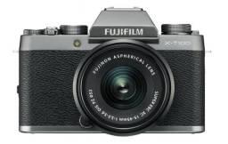 Câmera Profissional Digital Fujifilm X-T100 com lente 15-45mm Preta * Nova