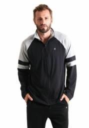 Jaqueta masculina com recorte da ?iquido
