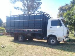 Caminhão boiadeiro 7110 - 1993