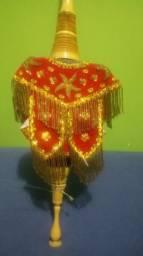 Rebab, instrumento musical Indonésio