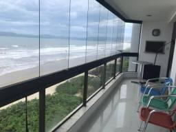 Título do anúncio: Apartamento de 2 quartos com ar frente para a praia