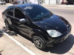 Ford Fiesta Sedan 2005 - 2005