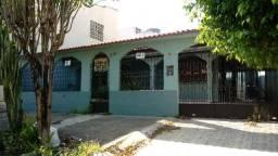 Casa em área nobre da Pedreira, ampla, avarandada, 2 garagem, 4 quartos, amplos (1 suíte)