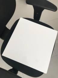 Plafon acrílico de sobrepor branco (34 x 34 cm)