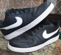 Tênis Nike Ebernon