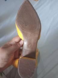 Sandália semi novas!