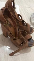 Sandálias e sapatos femininos