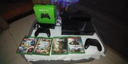 Console Xbox One 500gb + jogos + 2 controles + Kinect