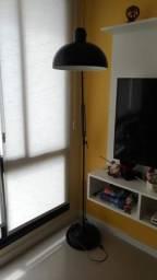 Luminária de chão retrátil
