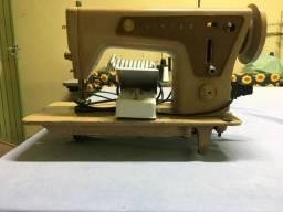Máquina de Costura - Antiga - Singer
