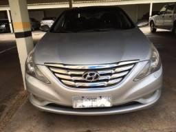Hyundai Sonata muito novo - 2012