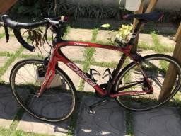 Bicicleta 700 Oggi Speed Cadenza Shimano 105 22V
