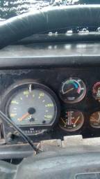 Caminhão trabalhando trocados 6 bicos, mecânica em dia tacografo aferido - 1992
