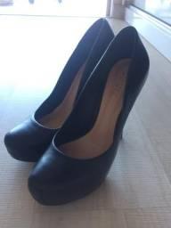 Sapato Schutz 37