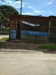 Aluga-se um galpão na AV padre jose Maurício 1252 bairro vista alegre