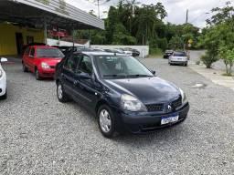Renault Clio sedan 1.0 completo 2004