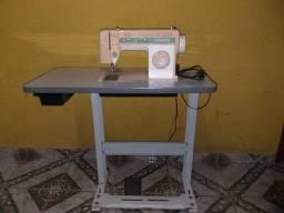 Maquina de costura demestica singer facilita 43, + gabinete