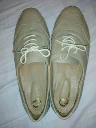 Sapatilha número 39 sapato número 40
