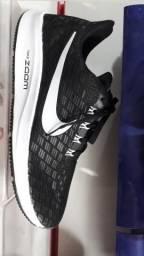 Tenis zoom Nike 100,00