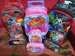Kits escolares novos