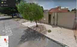 Casa com 4 quartos - Bairro Cidade Jardim em Goiânia