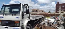 Caminhão FORD CARGO 1225
