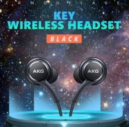 Título do anúncio: Fone de ouvido AKG cabo em nylon e fone 6D estéreo com microfone