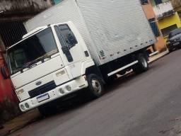 Caminhão baú de frete mudança 24180
