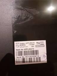 """Título do anúncio: TV LCD Philips 42"""" com defeito"""