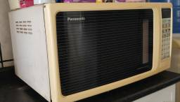Microondas Panasonic Family Grill