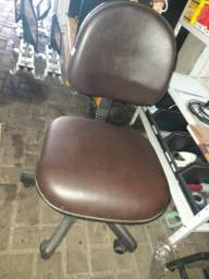 Cadeira de escritorio de rodinhas