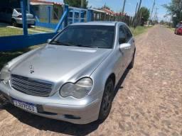Torro Relíquia Mercedes Bens C - 180 por 25 Mil
