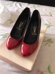 Sapato vermelho num 35