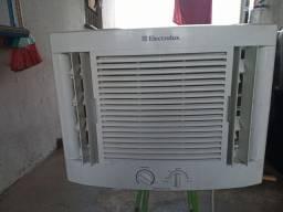 Ar condicionado Electrolux 7.500 semi-novo