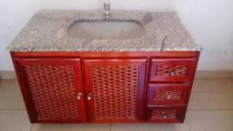 Conjuto armario / gabinete / espelheira madeira / banheiro com pia granito