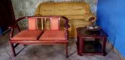 Sofá, namoradeira e mesa central (também vendidos separadamente)