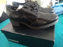 Bota/sapato novo