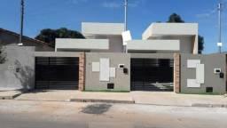 Linda Casa 2Q no Res. Itaipu Ótima Localização e Acabamento