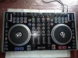 Controladora DJ Numark N4