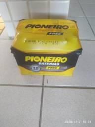 Bateria Pioneiro 60 amperes R$300 a vista 18 meses de garantia