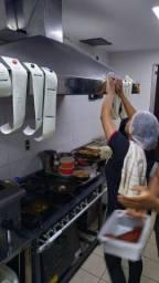 Vagas de Cozinheira e assistente