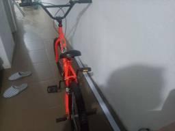 Bike estilo BMX Aro 20