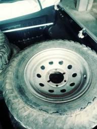 Vendese aros 16 com pneus tem 4.